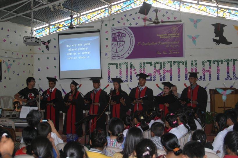 졸업생들의 특송.jpg